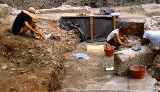 B16 Corso e laboratorio di archeologia